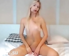 Beauty blonde shows her body - xcam.su