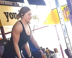 CANDID GYM ASS SPANDEX BOOTY