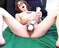Young MILF Hairy Pussy cums