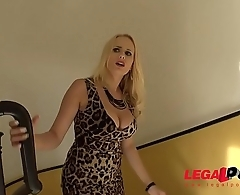 Busty Sex machine Angel Wicky Fucks the delivery guy with intensity! GP075