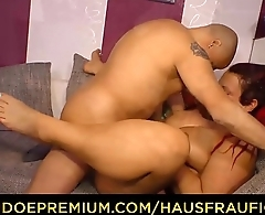 HAUSFRAU FICKEN - Tattooed German housewife gets banged and eats cum in steamy hardcore fuck