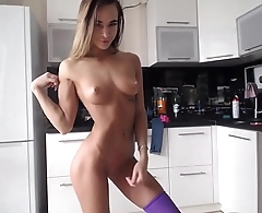 Stunning Camgirl Flexing Muscles And Masturbation With Dildo