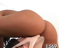 Sexy women need facesitting act to get gratified
