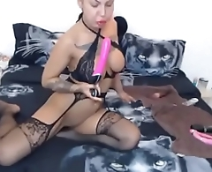 bimbo gags deepthroat and fingers her butthole analcams.com