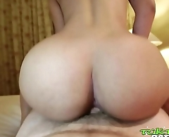 Tuk Tuk Patrol - Thick ass Thai babe gets creampied by white cock